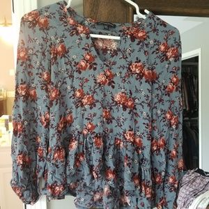 AE American Eagle peasant flowy top blouse